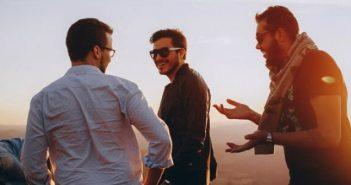 Warum Männer in der Gruppe flirten