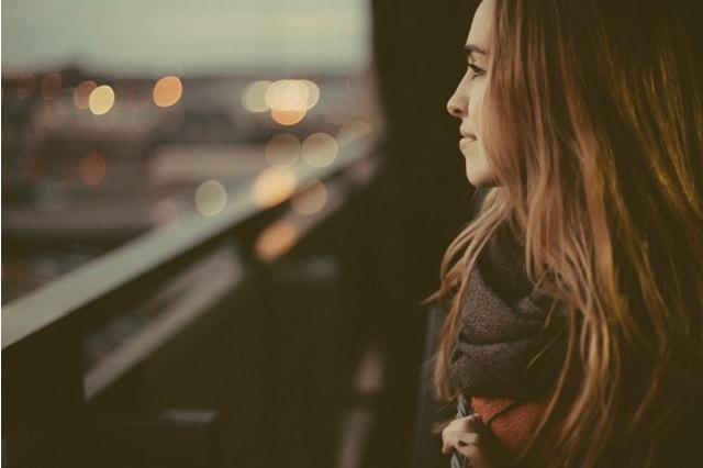 Sie befreit sich von unerwiderter Liebe
