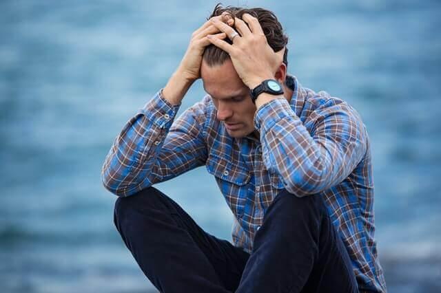 Anzeichen, dass Männer die Trennung bereuen