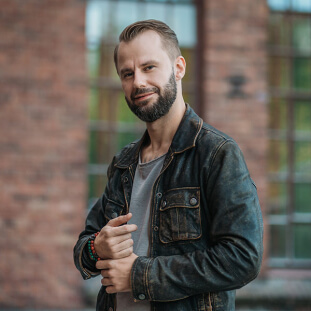 Beziehungsexperte Darius Kamadeva